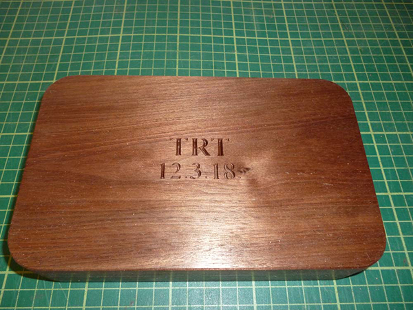 Wooden clamshell case in red meranti hardwood